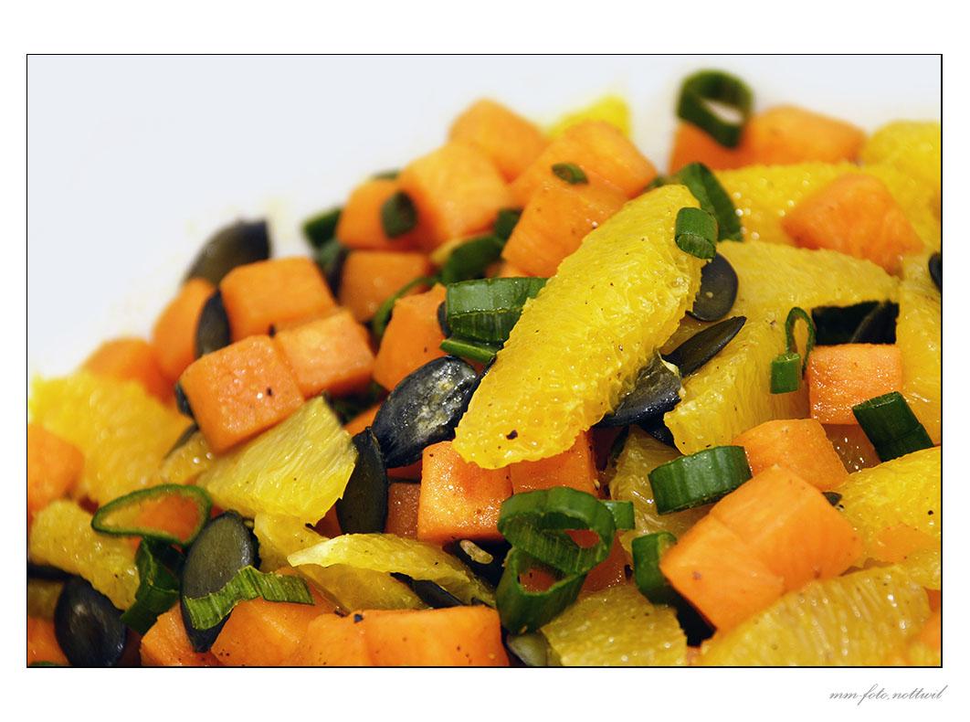 Herbstlicher Kürbis-Orangesalat