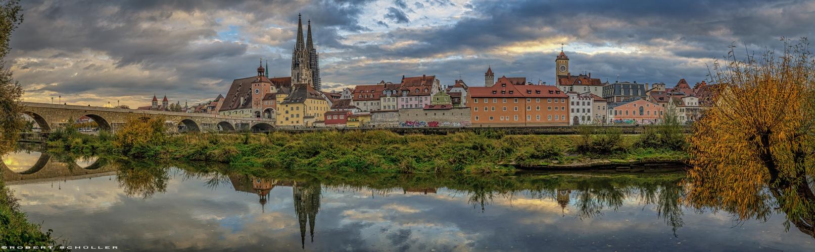 Herbstliches Regensburg: Panorama Oktober 2020