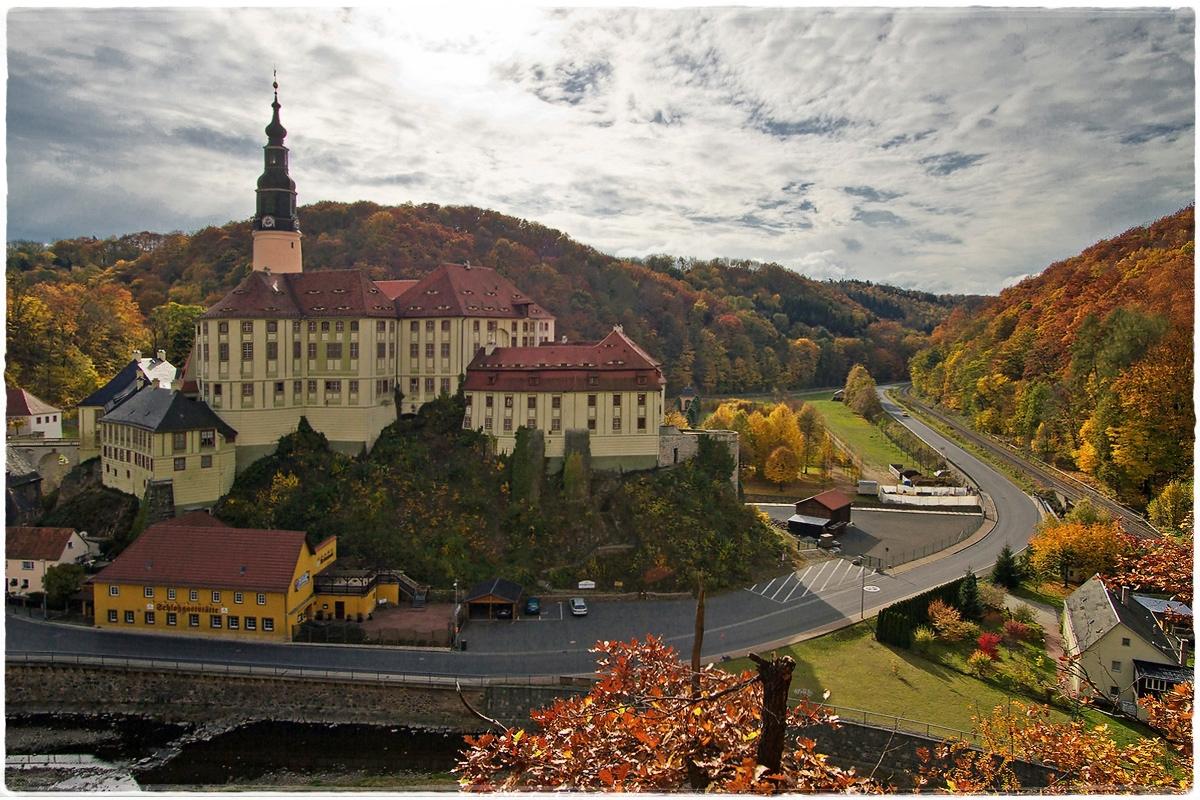 Herbstliches Schloss Weesenstein