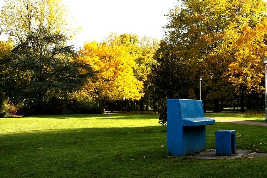 Herbstmelodie vom blauen Klavier