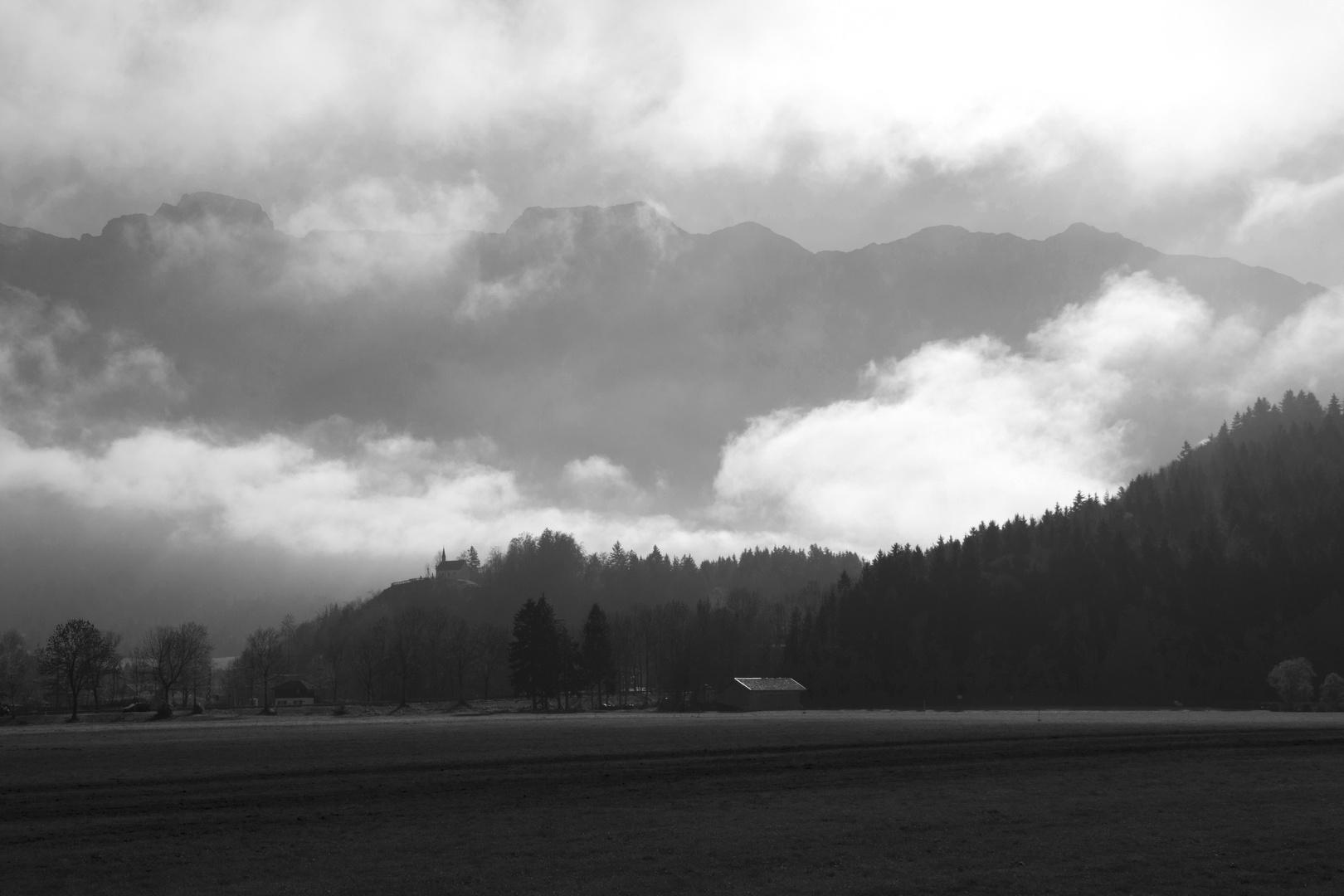 Herbstnebel bei Eschenlohe (Garmisch Partenkirchen)
