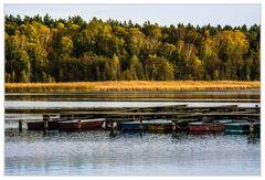 Herbstruhe am See