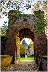 Herbststimmung - Burg Linn in Krefeld