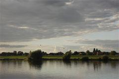 Herbsttag an der Elbe