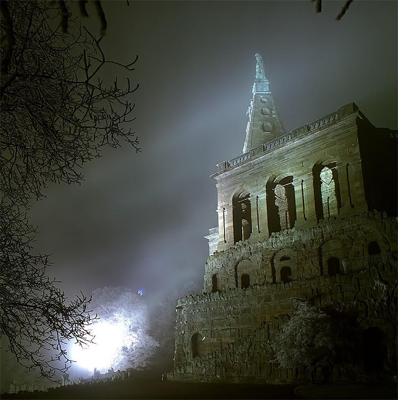 Herkules bei Nebel