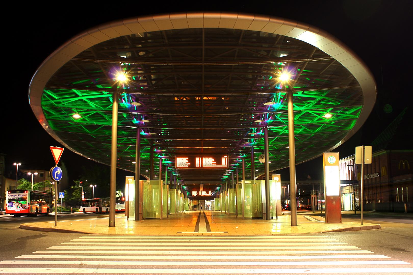 Herner Busbahnhof bei Nacht