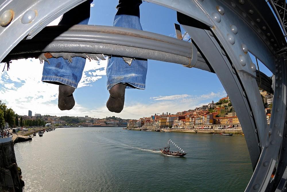 Hero in Porto