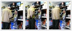 Herr Klem bedient einen niederländischen Kunden in französicher Sprache ... fotograf ist amerikaner