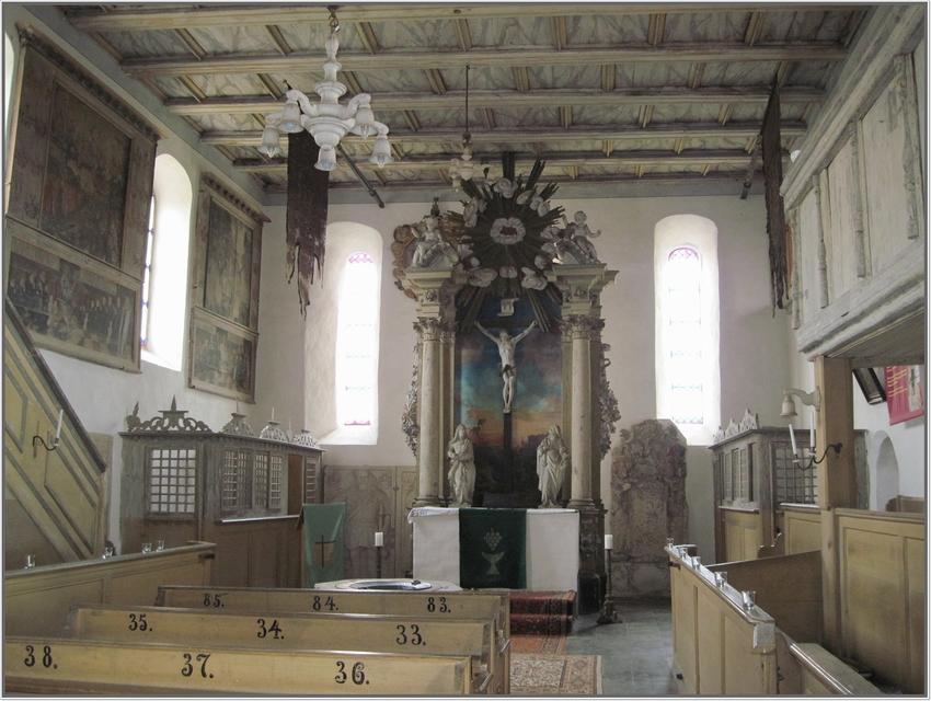 Herr Riedel zeigt uns heute seine wundervolle alte Dorfkirche in Zwethau bei Torgau
