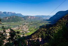 herrlicher Ausblick auf die Region Neumarkt-Auer, Südtirol