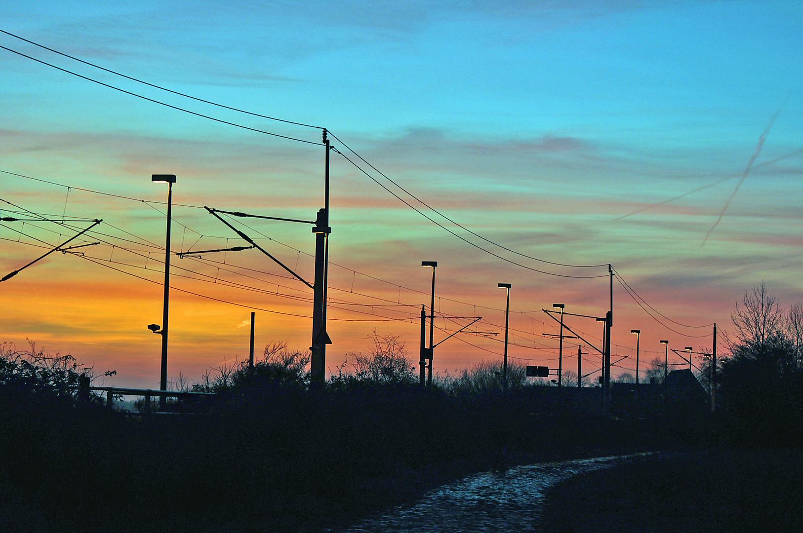 Herzhorn Abendhimmel über dem Bahnhof