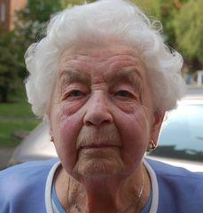 Herzlichen Glückwunsch zum 100. Geburtstag liebe Frau Cölln