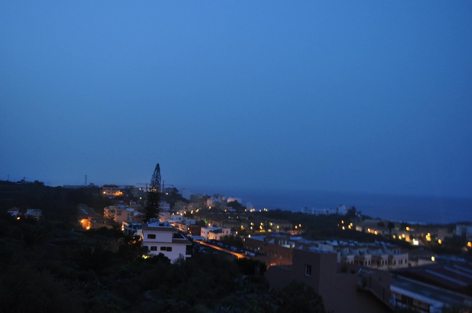 Heute morgen vor Sonnenaufgang - Blick von meinem Balkon