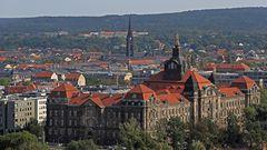 Heute vor 74 Jahren wurde meine Vaterstadt Dresden am Ende des 2. Weltkrieges zerstört...