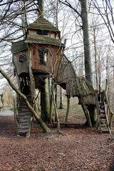Hexenhaus als Kletterspielplatz