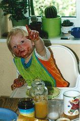 °°° Hey allesamt - Schönen Sonntag - Und - beschmiert euch beim Essen nicht immer so ! °°°