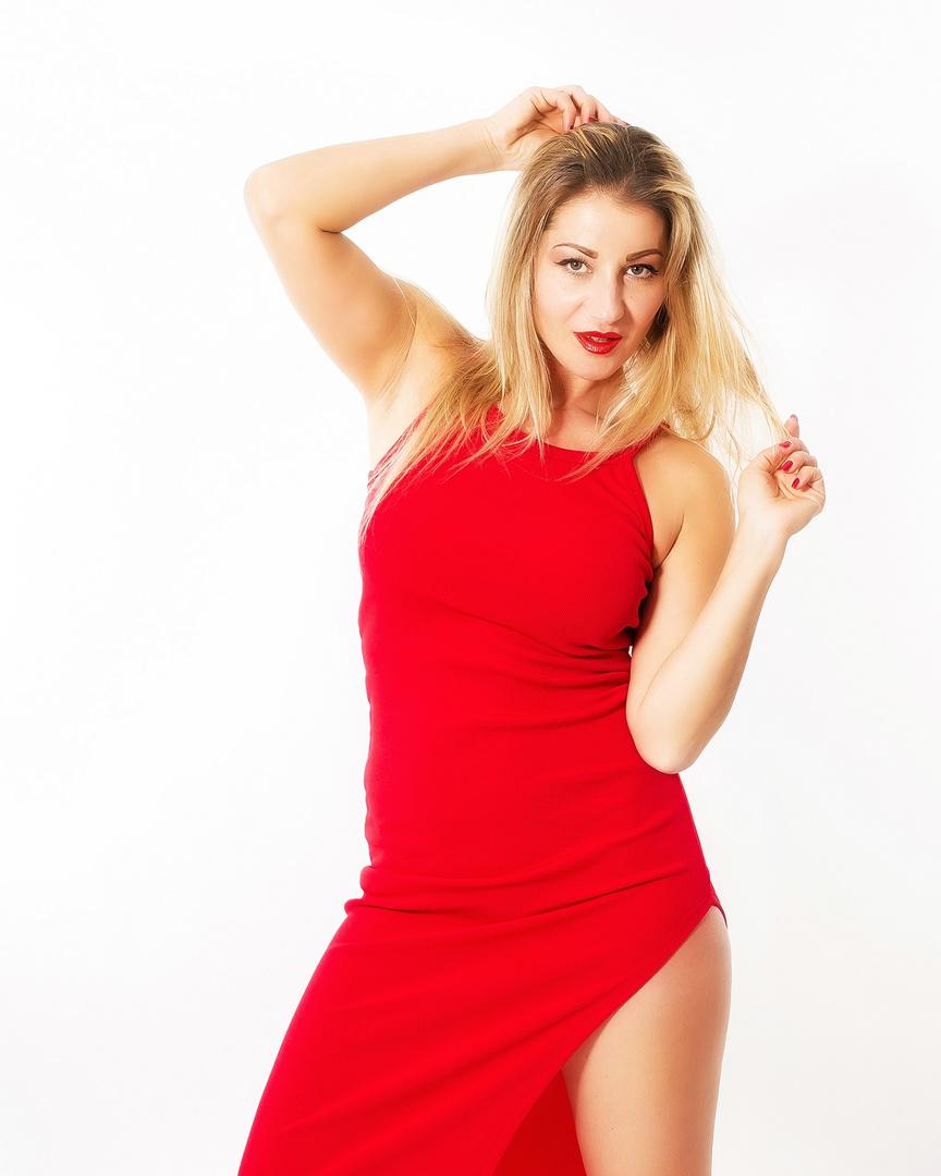 Hey! You like this dress?