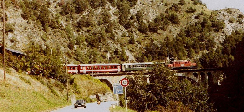 HGe 4/4 der BVZ auf dem Nussbaumviadukt