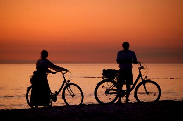 Hiddensee'er Sonnenuntergang per Rad