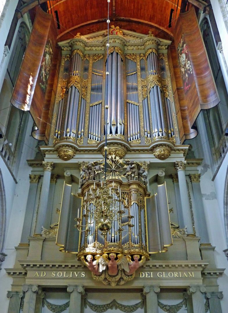 - hier die wunderbare Orgel ...