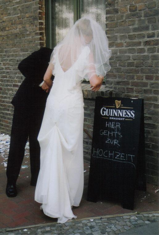 Hier geht's zur Hochzeit