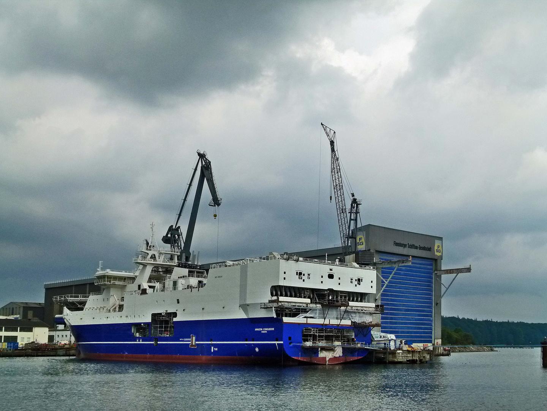 Hier Verlegen Sie Die W Lan Kabel Foto Bild Schiffe Und Seewege