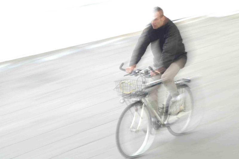 high - key - bicycle - ski