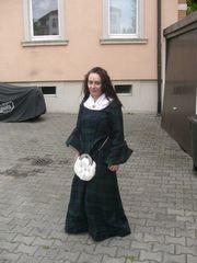 Highlandwoman Cathlyn Catriona de Burga