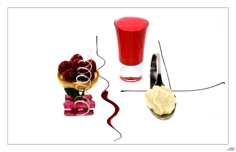 himbeer rhabarber variation foto bild stillleben essen trinken s igkeiten bilder auf. Black Bedroom Furniture Sets. Home Design Ideas