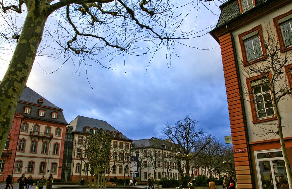 Himmel über dem Schillerplatz