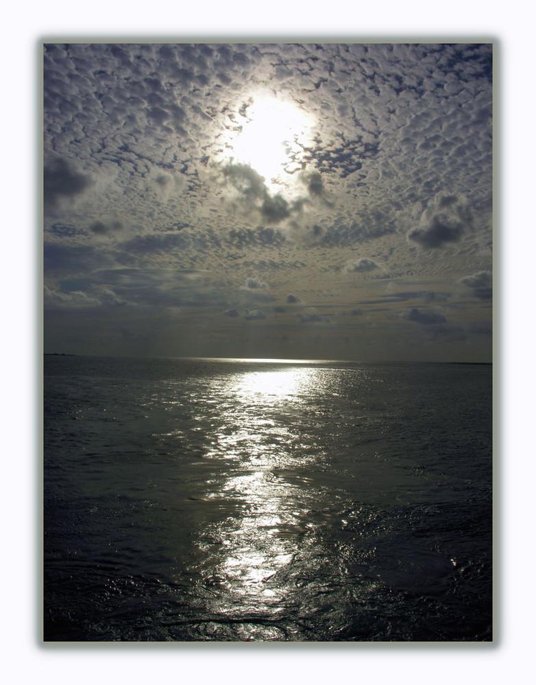 Himmel, Wasser und die Sonne
