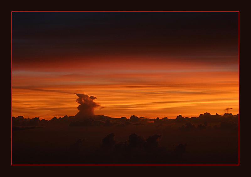 himmlischer Sonnenaufgang über Thailand