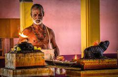 Hindu Gläubiger im Tempel