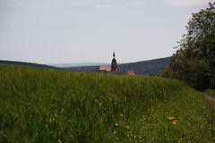 Hinter dem Hügel