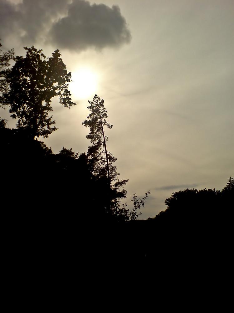 Hinter Der Sonne