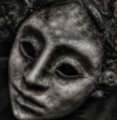 hinter dieser maske ist nichts....