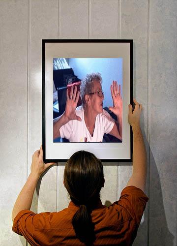 hinter glas foto bild portrait grimassen menschen. Black Bedroom Furniture Sets. Home Design Ideas