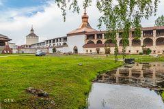 Hinter Klostermauern