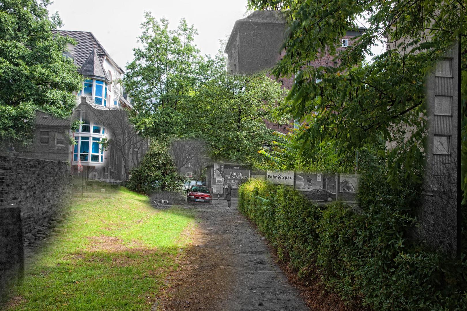Hinterhof Idylle mit Bunker, Duisburg Bruckhausen 1987/2011