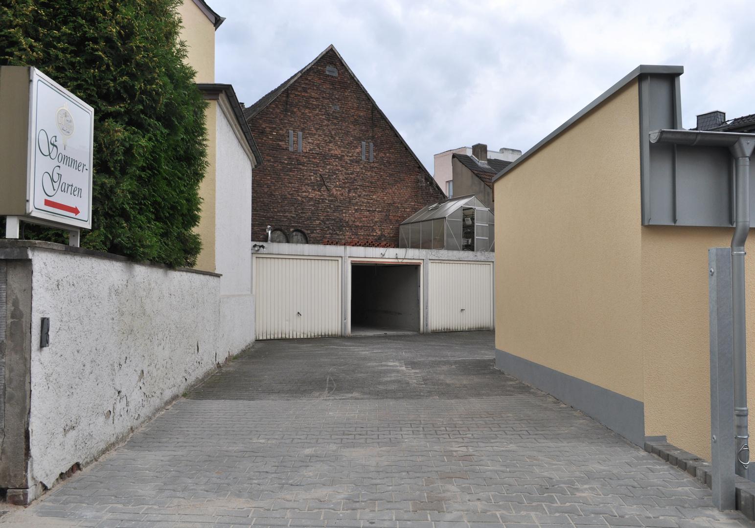 Hinterhof III _ Sommergarten