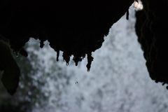 Hinterm Wasserfall