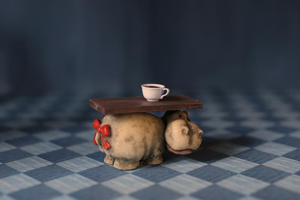 [Hippo-Tee-Tisch]
