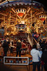histor. Karussel auf dem leipziger Weihnermarkt 2019