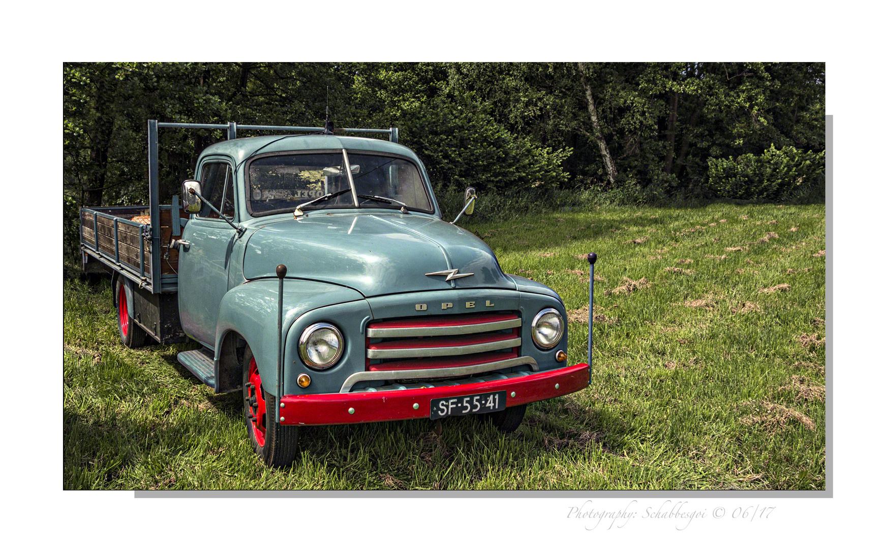 """Historische """" Autogesichter """" (149) Opel Blitz 1,5 to Bj.1952"""