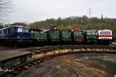 Historische Eisenbahnen vor der Drehscheibe