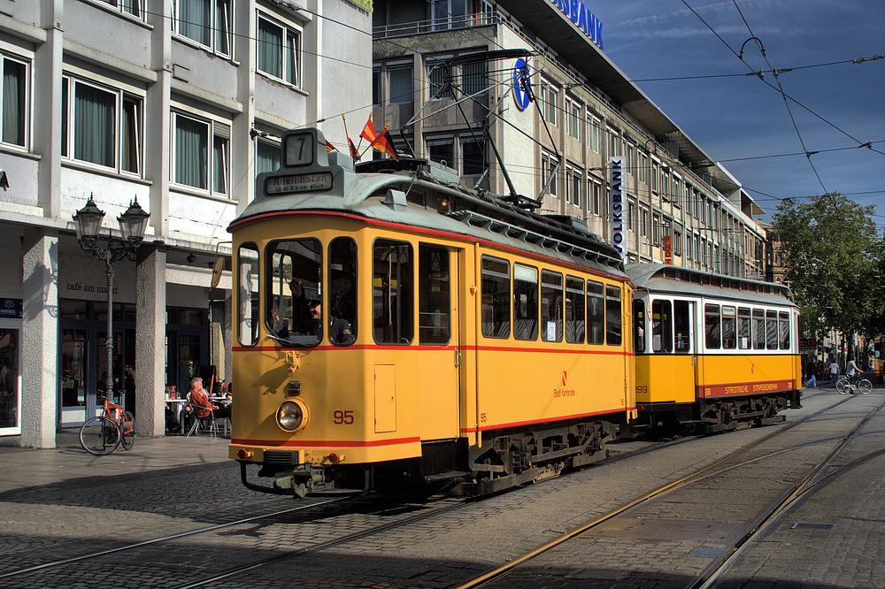 Historische Straßenbahn**