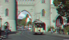 Historische Straßenbahn vorm Nauener Tor in Potsdam