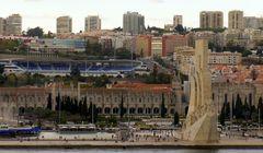 historischer Anblick bei Hafenausfahrt....Lissabon