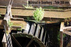 Historisches Mühlrad in Saarburg