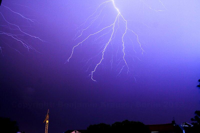 Hitzegewitter und Blitze über Berlin 20.06.2013 Nr. 2